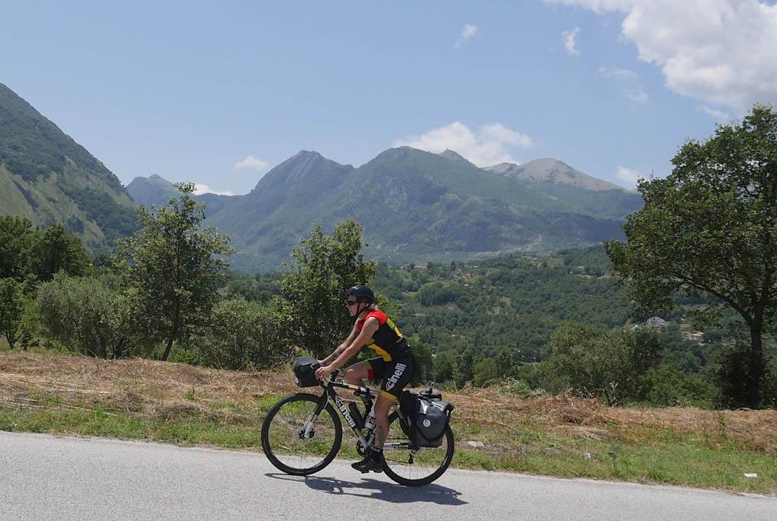 cicliste_per_caso-storie_di_ordinaria_lauria-02